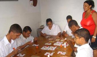 20111217051039-educacion-especial-cuba2.jpg