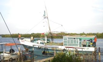 20120227223847-pesquero.jpg