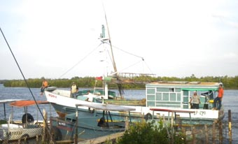 20120609150558-pesquero.jpg