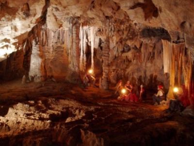 20130508053121-cueva.jpg