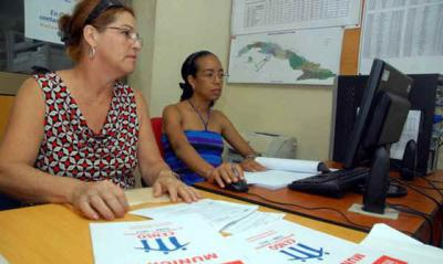 20120915000003-censo-poblacion-mujeres.jpg