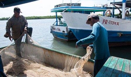 20160607053256-pescadores-barcos-fpt2.jpg